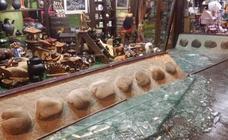 Cangas del Narcea, inundado de cristales por el estallido durante la exhibición pirotécnica