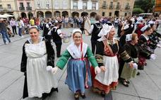 El Intercéltico de Avilés inicia la edición con un gran banquete celta en La Exposición