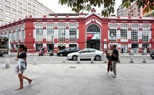 La Policía detiene a un hombre vestido de guardia civil que portaba un arma en Gijón