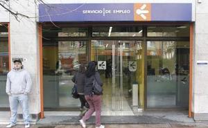 Mujer española, de 45 años y con hijos, perfil del beneficiario del salario social