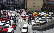 106 vehículos clásicos llenan Tineo