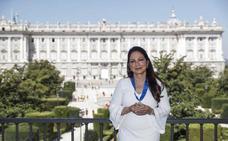 El ministro de Cultura, a Gloria Estefan: «Te caíste en la marmita de la fuerza y energía asturianas»