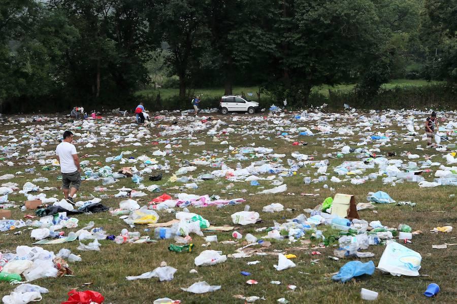 El día después del Carmín da paso a la intensa recogida de basura