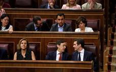 Pablo Casado ocupa su nuevo escaño en el Congreso como líder del PP