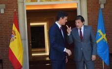 Sánchez se compromete a mantener los plazos para la variante y toma nota de las reivindicaciones energéticas