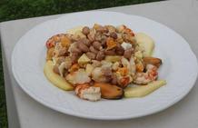Salpicón de fabes pintes y frutos del mar con vinagreta de manzana