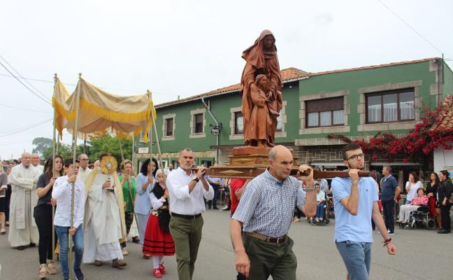 La procesión de Santa Ana vuelve a sus orígenes