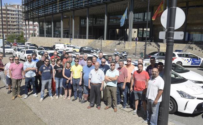 La protesta del taxi llega a Asturias