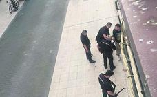 El hombre que amenazó a otro con un cuchillo acepta ocho meses de cárcel