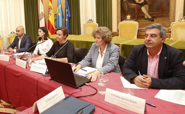 Principado y Ayuntamiento garantizan la calidad de las aguas ante las críticas vecinales