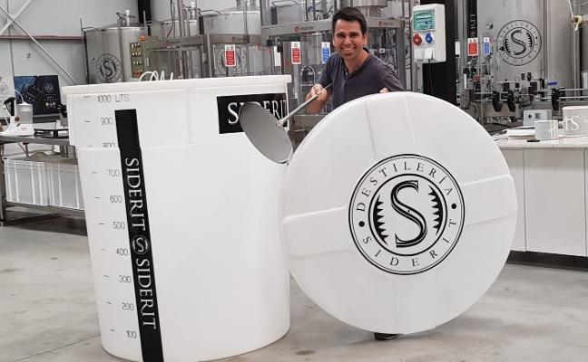 Vegadeo se prepara para elaborar mañana el mayor gin tonic del mundo