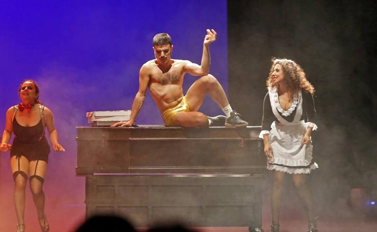 «Horror, el show que nunca se debió hacer» llena en el Jovellanos