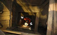 Un pequeño incendio obliga a suspender temporalmente las visitas al pozo Sotón