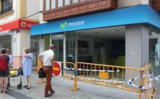 Asaltan en Villaviciosa una tienda de telefonía por el método del alunizaje