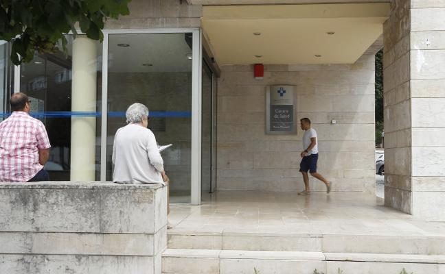 Los centros de salud urbanos, los más afectados por la escasez de médicos
