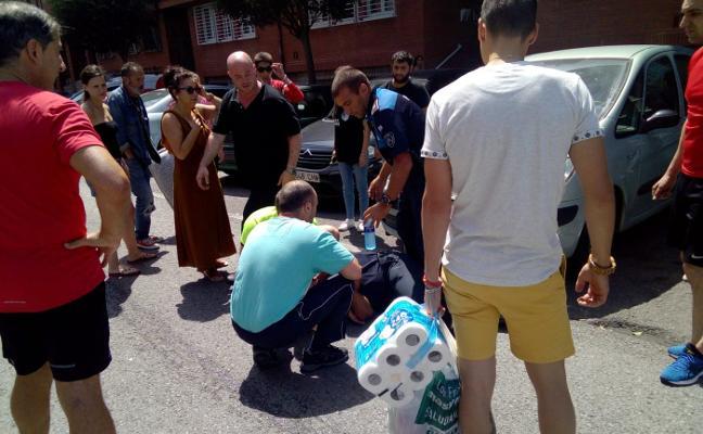 Herido un motorista de la Policía Local de Gijón al ser arrollado por una furgoneta