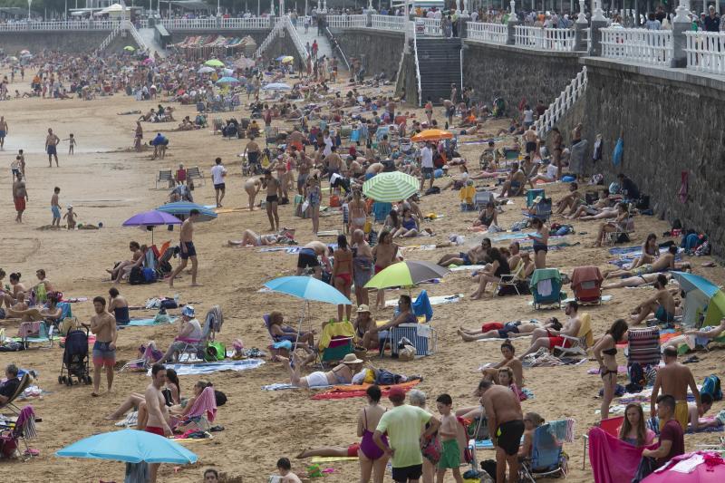 La ola de calor llena las playas
