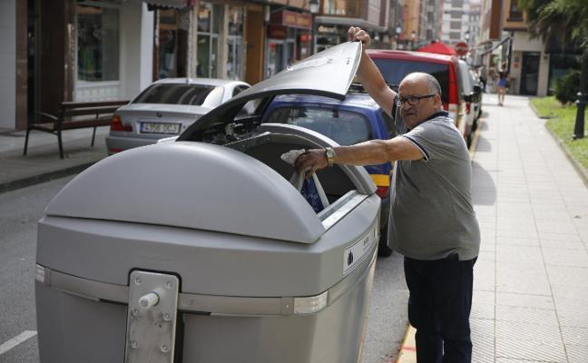 San Martín detecta insuficiencias en el nuevo sistema de recogida de basura
