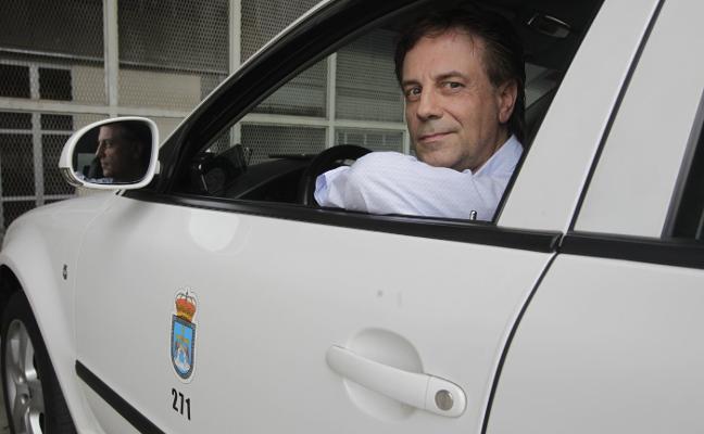 Los taxistas asturianos temen que las licencias VTC aumenten con la venta por internet
