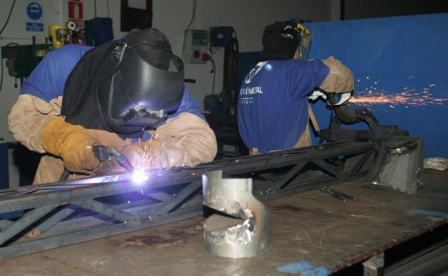 Las empresas solo garantizan plaza a menos de la mitad de alumnos de la FP Dual del metal