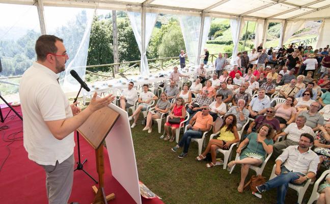 La exhumación de Franco y el apoyo al carbón apuntalan el discurso del PSOE