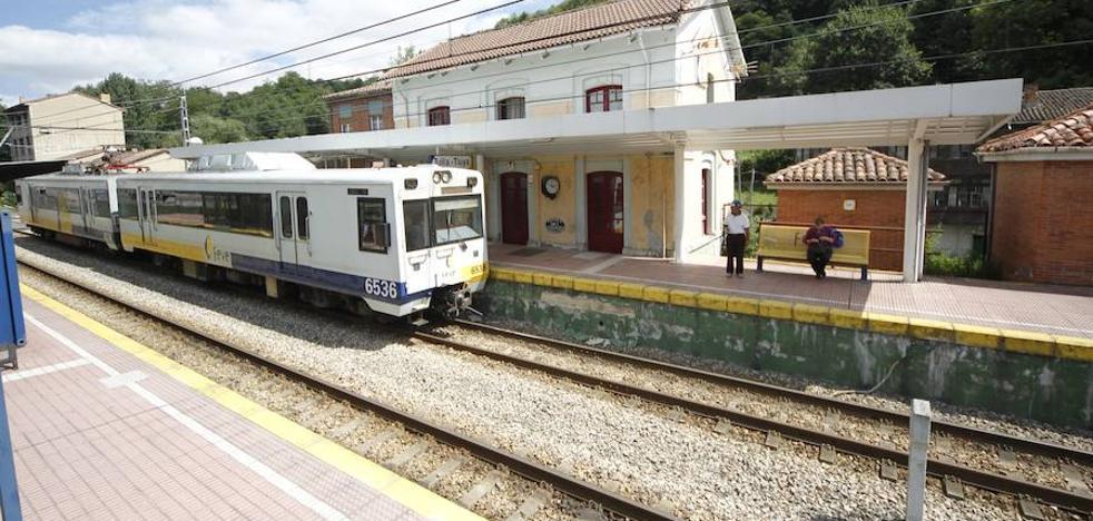 Un desprendimiento en el túnel de Carbayín suspende el tráfico ferroviario entre El Berrón y Tuilla