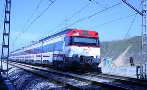 Grave un chico de 17 años electrocutado cuando se hacía fotos sobre un tren