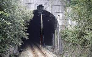El túnel de Carbayín, reabierto al tráfico ferroviario