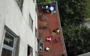 Prende fuego a su casa en Oviedo tras discutir con su pareja
