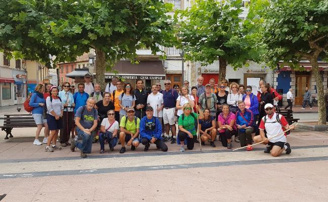 Los Amigos de Ribadesella realizan la segunda etapa del Camino de Santiago