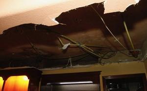 Se derrumba parte del falso techo del Casino de Avilés