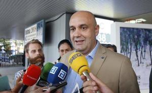 Pedro Leal da su «total apoyo» a Foro Gijón tras detectarse en el Ayuntamiento contratos con empresas del 'caso Enredadera'