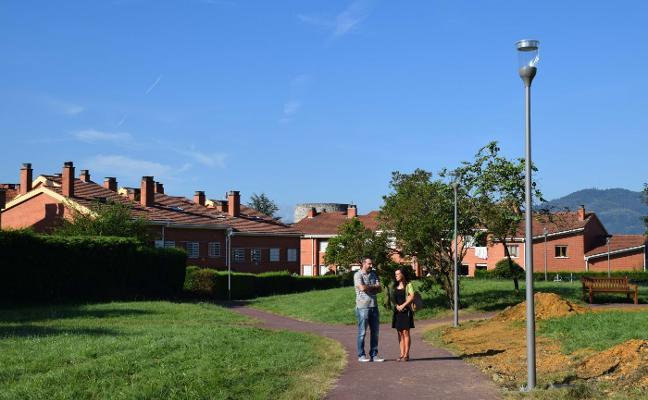 El parque de La Fresneda estrena una nueva red de alumbrado público