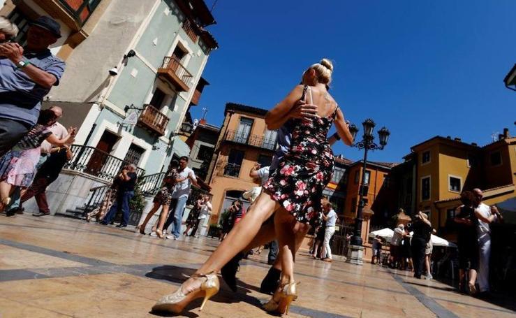 Oviedo se baila una milonga