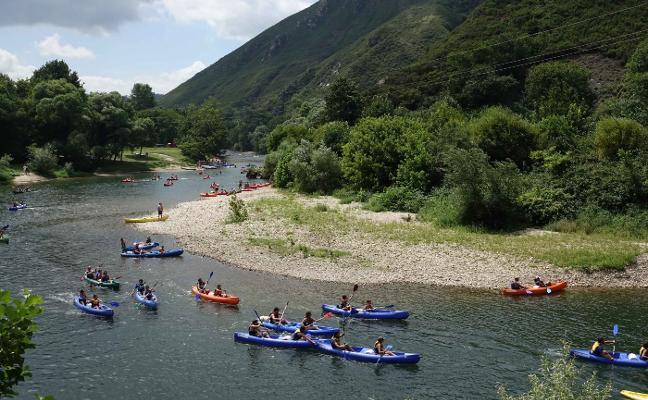 Los empresarios del Sella piden ampliar el horario de los descensos en canoa