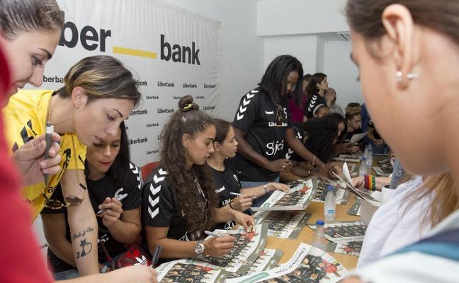 El club gijonés presenta su campaña de socios y quiere alcanzar el medio millar