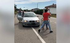 Un grupo de ciclistas denuncia agresiones verbales y físicas en Siero