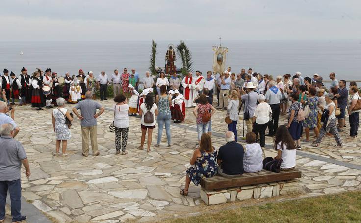 Procesión y folclore por San Lorenzo en La Providencia