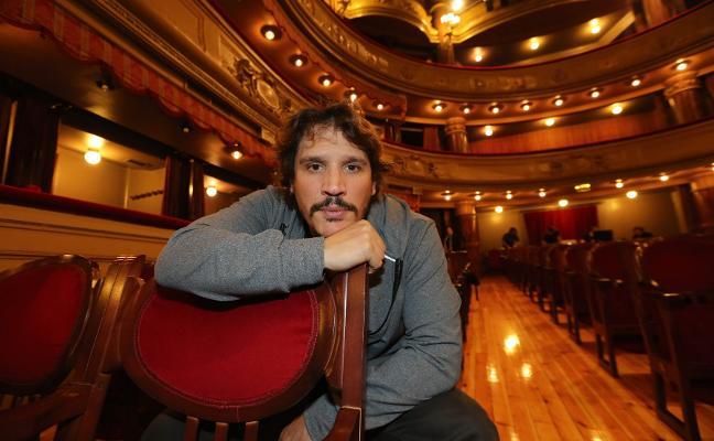 «Si no trabajo como actor en Estados Unidos no puedo producir teatro aquí en España»