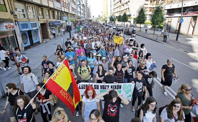 Los antitaurinos claman por el fin de las «corridas y la tortura animal»