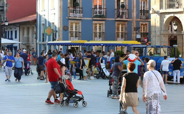 Los comerciantes de Avilés observan una caída del consumo de los turistas en lo que va de año
