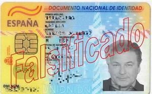 Detenido por estafar con un DNI falso con una foto del actor Alec Baldwin en Oviedo
