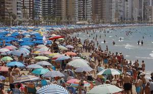 Una turista inglesa se queja de lo «maleducados» que son los españoles en Benidorm