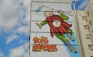 «Sois héroes», el mural dedicado a niños con cáncer que sustituye el anuncio de una funeraria
