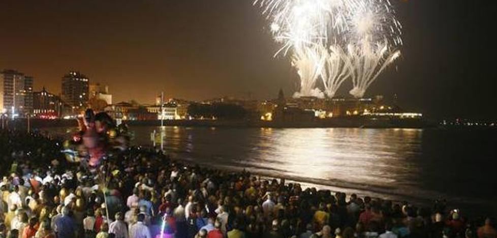 La Policía prohibirá el acceso a diferentes calles durante la 'Noche de los Fuegos' de Gijón