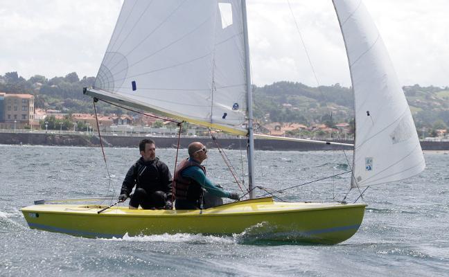 El 'Don Pepe' se afianza en el liderato del Trofeo de Verano del Club Astur