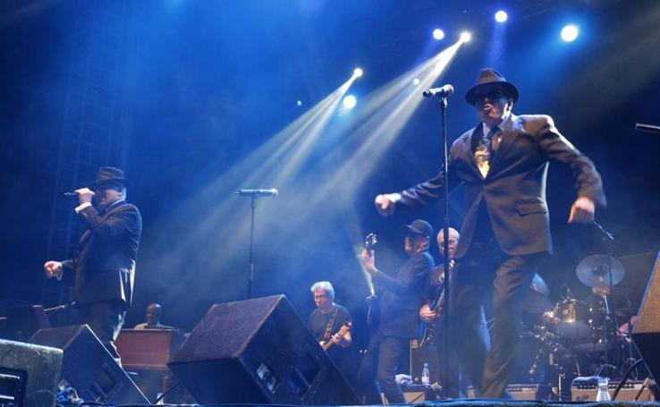 Blues Brothers en llena Poniente
