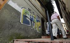 Los grafitis vuelven a El Antiguo