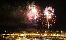 Estallido de color en el cielo de Gijón