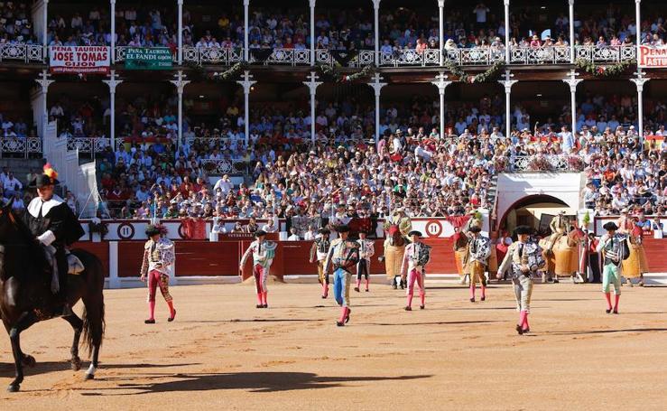 El Juli, Manzanares y Talavante, en la Feria Taurina de Begoña